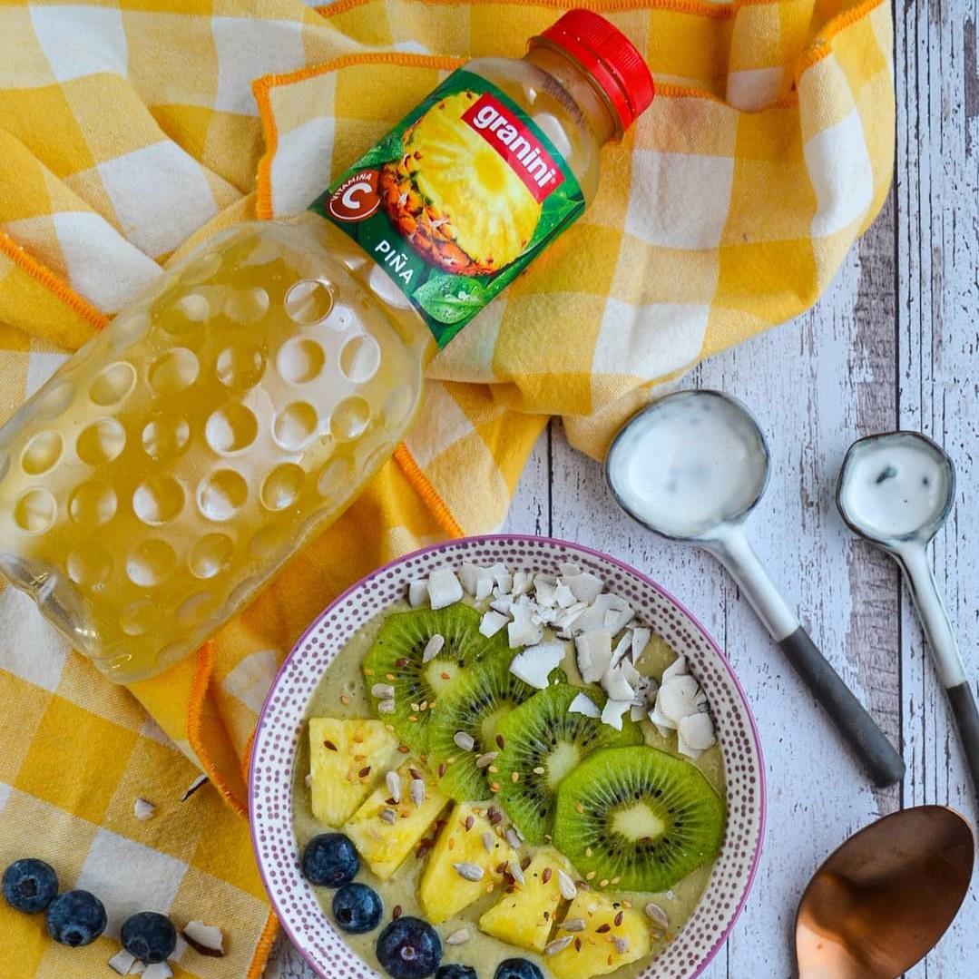 Bowl de desayuno piña y matcha